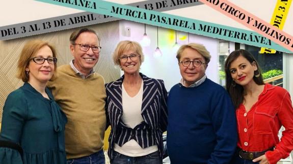 Victorio y Lucchino junto con organizadoras de Murcia Pasarela Mediterránea