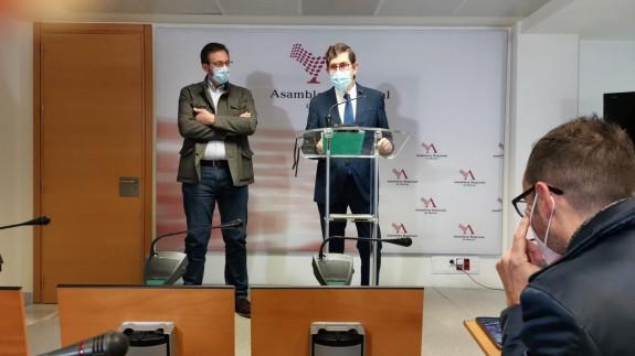 Villegas junto Asensio López en rueda de prensa