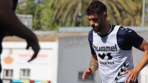 """Adrián León: """"Ganando al Sanluqueño prácticamente estamos clasificados para el ascenso"""""""