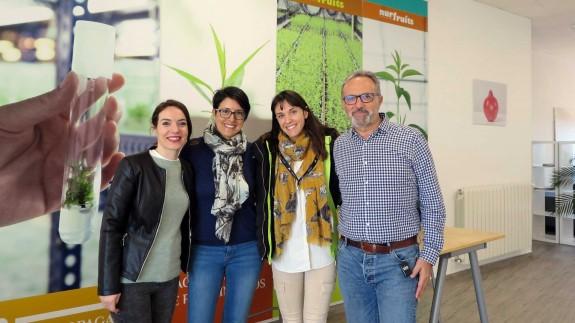 Inés Mataix junto a su equipo en 'Invisa'
