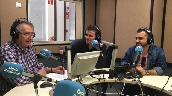 Darío Gómez y Antonio Turro con Miguel Massotti en Onda Regional