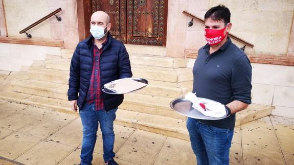 Martín Miras y Jero Costa, presidente de los hosteleros del centro y de la localidad respectivamente