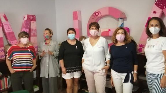Catiana Martínez, presidenta de AMIGA Murcia, asociación de lucha contra el cáncer de mama.