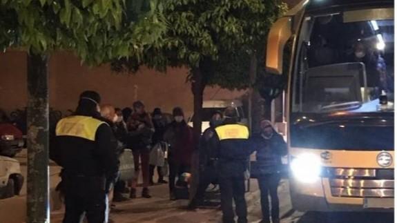 La Policía Local de Mula detecta autobuses de trabajadores que incumplen la normativa