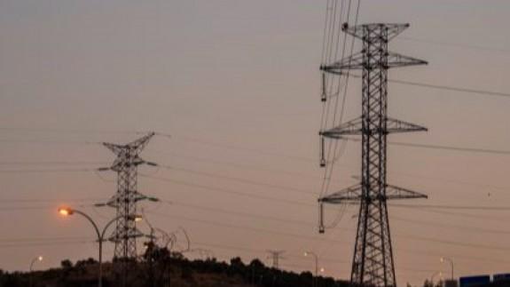La factura de la luz seguirá manteniéndose en máximos históricos hasta finales de año