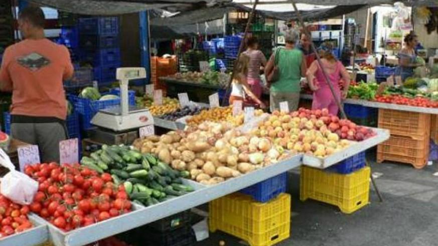 TE DOY LA TARDE. Los vendedores de los mercados semanales se manifestarán este viernes en Murcia