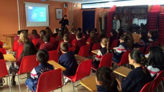 Imagen de archivo de charlas escolares.