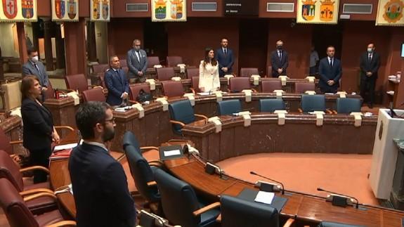El Pleno ha comenzado con un minuto de silencio