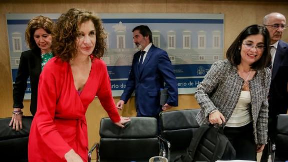 Mª Jesús Montero, ministra de Hacienda, y Carolina Darias, de Política Territorial