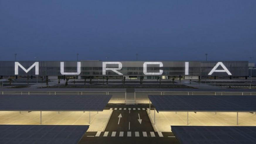 MURyCÍA. Laura de la Cierva, sobre el nombre del Aeropuerto Regional