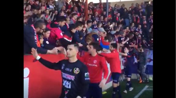 VÍDEO   Así despide la afición del Yeclano a su equipo a pesar de la derrota por 0-5
