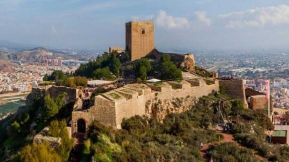 VIVA LA RADIO. Itinerario Cultural. Momentos únicos con una cena privada en el Castillo de Lorca