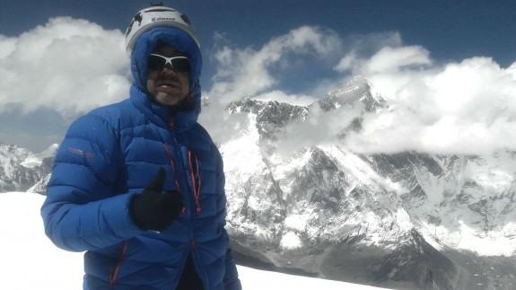 """VIVA LA RADIO. Pretexto sonoro. Antonio Alpañez en el Ama Dablam, un paseo por la montaña más """"bonita"""" del Mundo"""