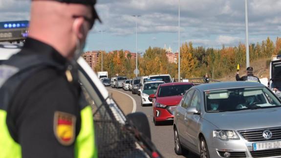 imagen de un control policial en una autovía
