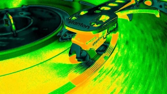 LA RADIO DEL SIGLO. Duelo musical