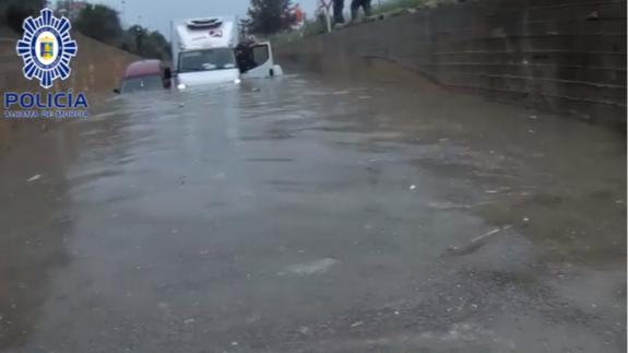 Inundación del túnel junto a la estación de trenes de Alhama