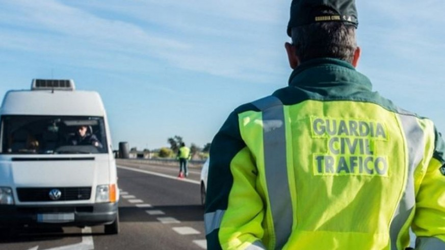 Patrulla de la Guardia Civil de Tráfico