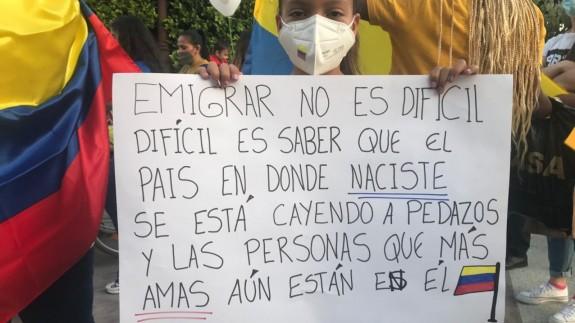 Los colombianos protestan en Murcia contra la represión policial en su país