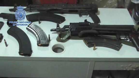 Siete detenidos en Murcia con más de dos toneladas de hachís y armas de guerra