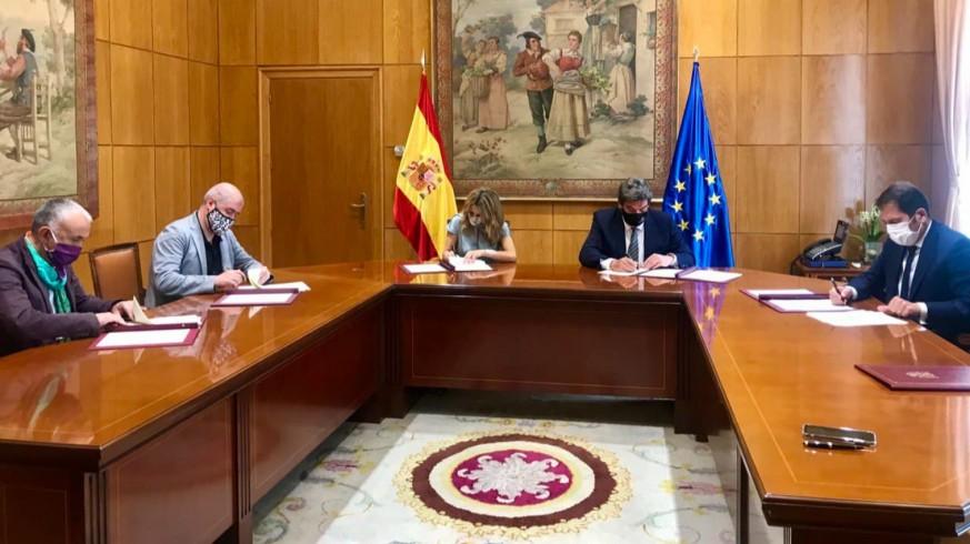Gobierno, sindicatos y empresarios firman el acuerdo para prorrogar los ERTES hasta el 30 de septiembre. CCOO