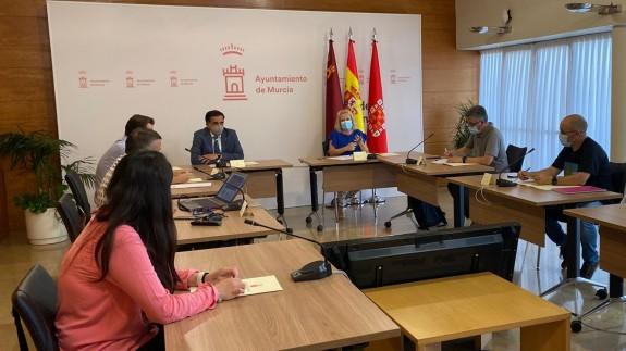 Reunión del equipo de gobierno de Serrano con los vecinos de Barriomar. AYTO MURCIA