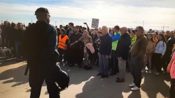 La Guardia Civil impide el corte de la autopista