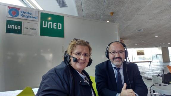 María Luisa Martínez y Juan Monzó, director general de Universidades, en la UNED Cartagena