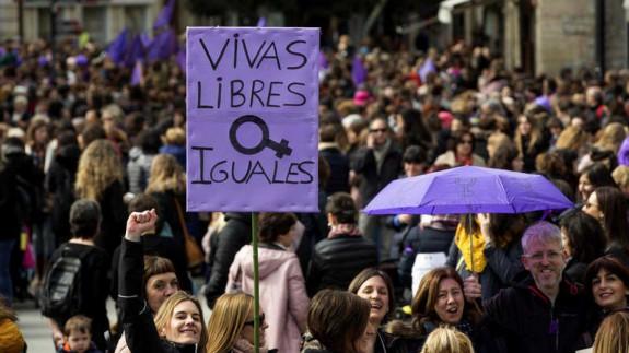 PLAZA PÚBLICA. Tertulia jóvenes políticos. El 8M en el que la seguridad se impone a las manifestaciones
