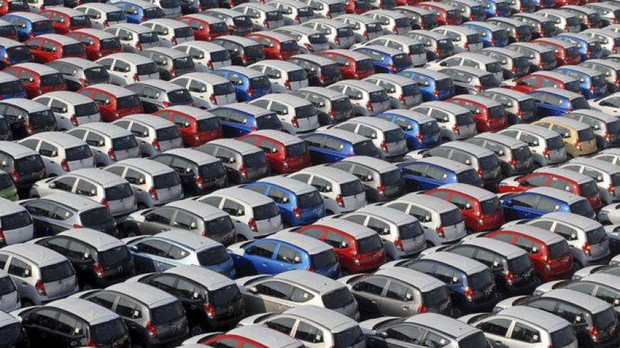 """VIVA LA RADIO. En camisa de once varas. España prohibirá vehículos con emisiones """"directas"""" de dióxido de carbono"""