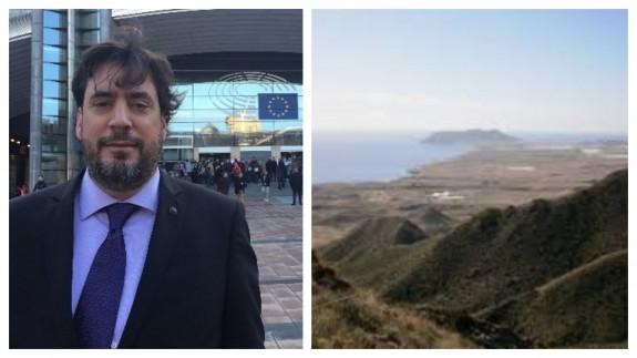 Eduardo Salazar, abogado ambientalista y panorámica de Marina de Cope.