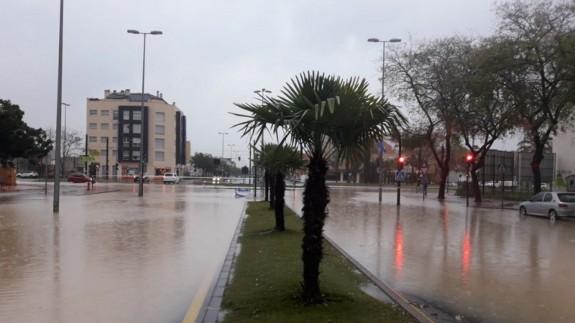 Calles anegadas por el agua en Murcia