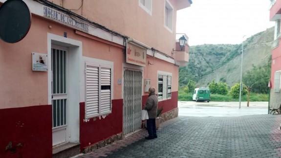 Consultorio médico de Albudeite cerrado. FOTO: JOSÉ LUIS PIÑERO