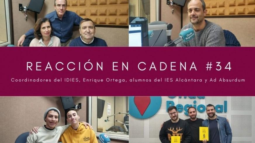 Coordinadores del IDIES, Enrique Ortega, alumnos del proyecto IDIES y Ad Absurdum
