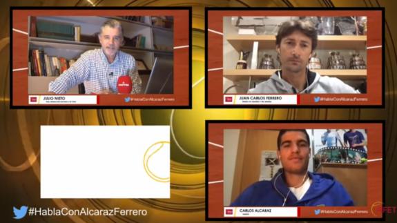 Carlos Alcaraz llora de emoción en Villena al escuchar a sus hermanos pequeños