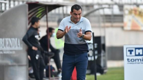Adrián, en su etapa como entrenador del Real Murcia