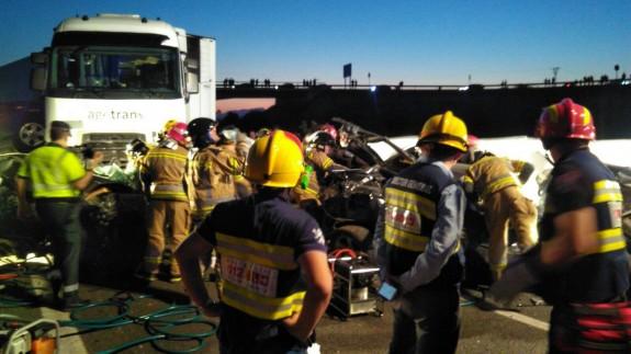 Servicios de emergencia intervienen en el accidente en la A7