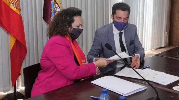 Firma del acuerdo Autoridad Portuaria y operador Hamilton. FOTO: AUTORIDAD PORTUARIA