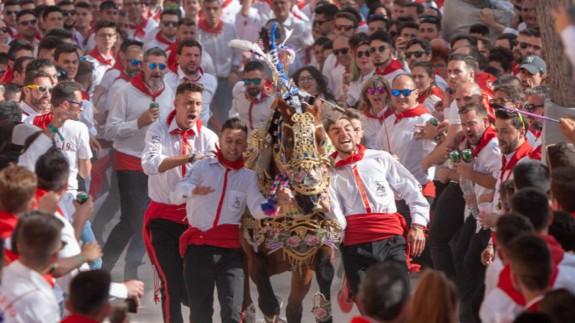 Imagen de una edición anterior de los Caballos del Vino. Foto: Enrique Soler