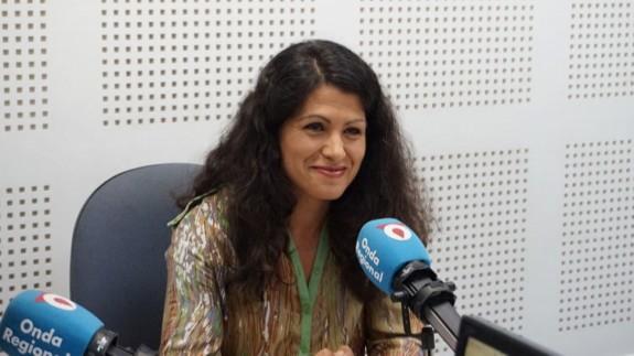 La consejera de Transparencia, Beatriz Ballesteros, en los estudios de Onda Regional
