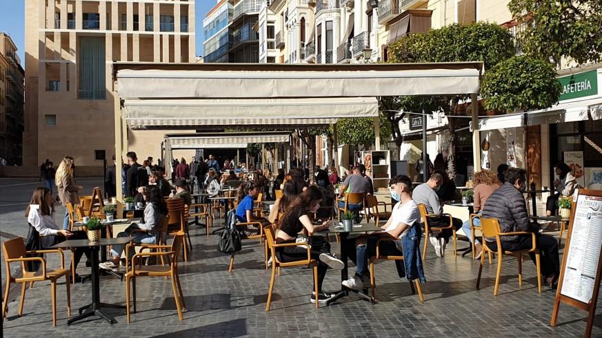 Imagen de una terraza en Murcia en la que sí se cumplían las medidas. Foto: ORM