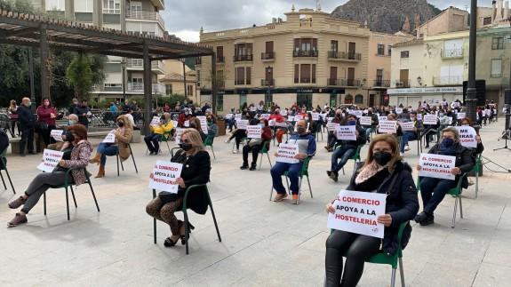 Concentración en Cieza para pedir ayudas a hostelería y comercio