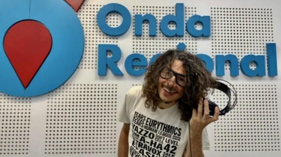 Miguel Tébar en el estudio de Onda Regional