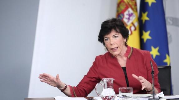 Isabel Celaá en la rueda de prensa tras el Consejo de Ministros.
