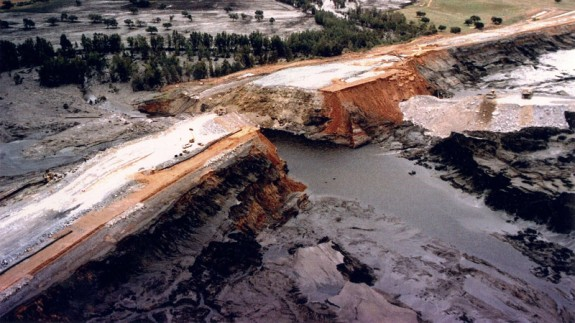 Vertido de lodos tóxicos de la Balsa Minera de Aznalcóllar
