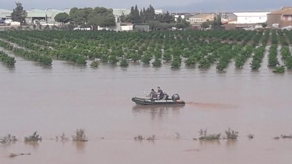 Campo anegado por el agua en Los Alcázares