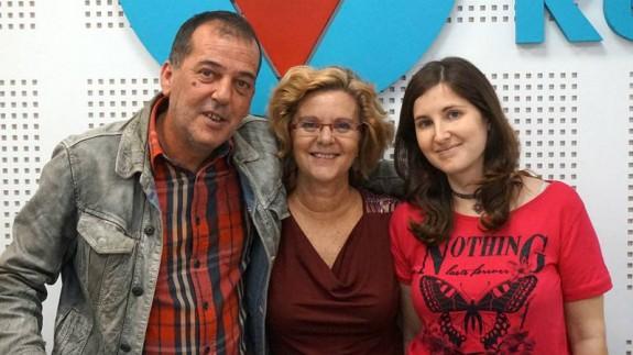 El doctor Luis Carles Dies con Marisa y Beatriz