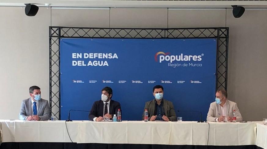 Reunión de López Miras con los alcaldes del PP en la Región