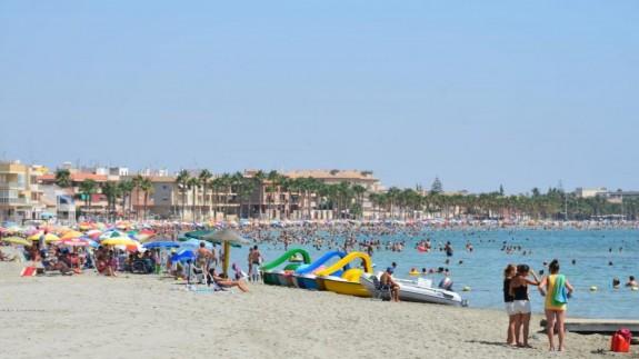 Fallece una mujer de 70 años en la playa del Espejo de Los Alcázares