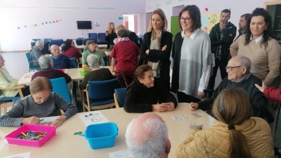 La consejera Isabel Franco en una visita a la Residencia de Fortuna. Foto: CARM