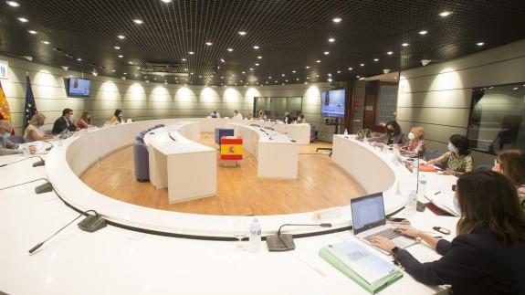 Representantes de Trabajo, CCOO, UGT, CEOE y Cepyme reunidos este miércoles